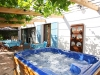 terrasse-and-jacuzzi-1